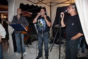 STAND-UP COMEDY&MUSIC CU VACANTA MUZICALA