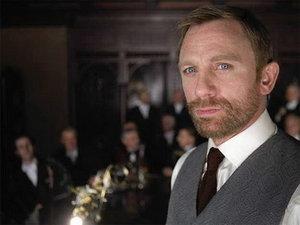 Daniel Craig vrea roluri mai serioase