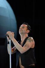 Ultima sansa pentru un loc in fata scenei la Depeche Mode