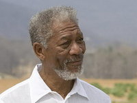 Morgan Freeman, accidentat dar cu moralul ridicat