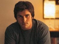 Christian Bale il vaneaza pe Johnny Depp