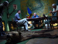 Au inceput filmarile la pelicula Ursul, scrisa si regizata de Dan Chisu