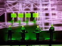 Kraftwerk vrea sa descopere bucataria traditionala si viata de noapte a Bucurestiului