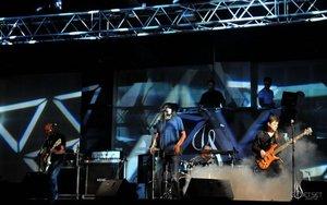 The Jet Set Band a cantat in deschiderea concertului IRIS