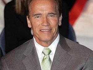 Schwarzenegger se intoarce in lumea filmelor