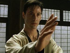 Keanu Reeves vrea sa debuteze ca regizor cu un film de arte martiale