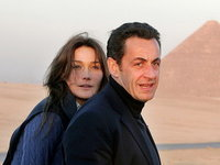 E oficial: doamna Sarkozy este asteptata pe platourile de filmare