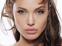 Angelina filmeaza la Sarajevo
