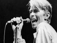 La 69 de ani David Bowie a pierdut lupta cu cancerul